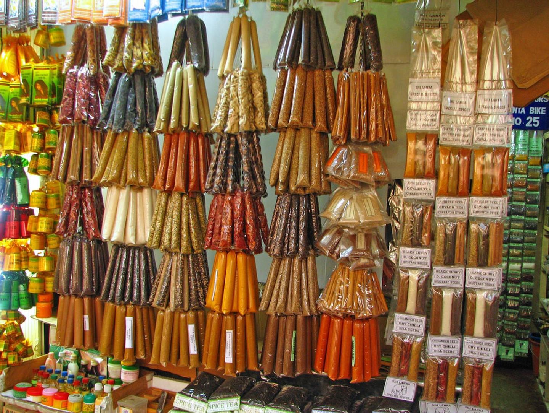 Gia vị tại bày bán tại chợ Kandy, Sri Lanka