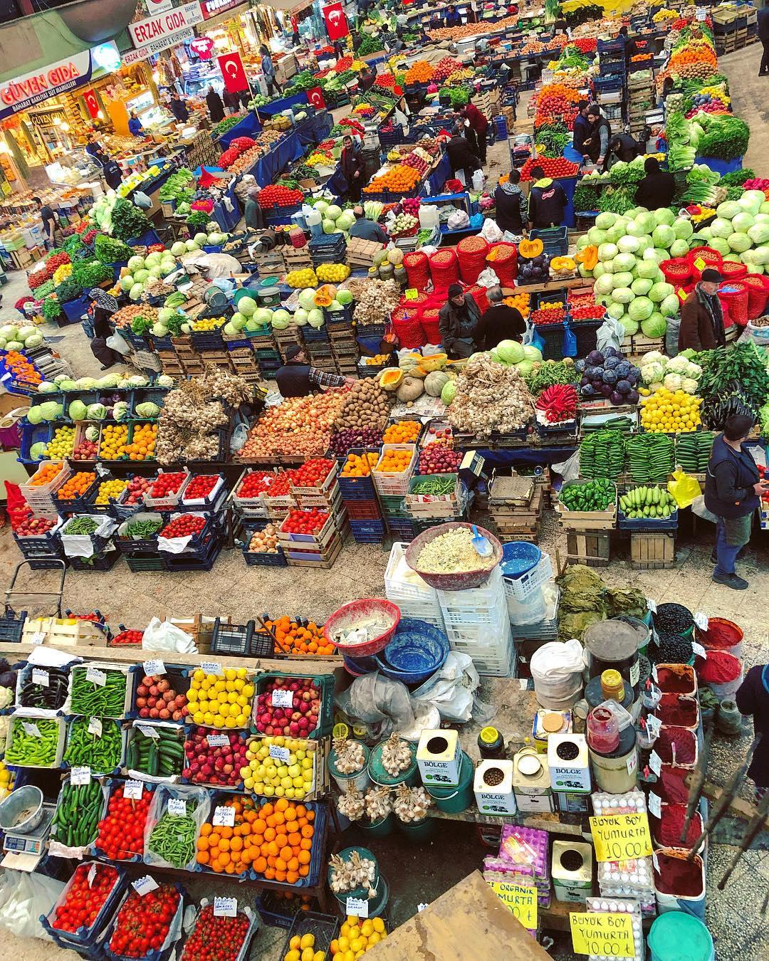 Một khu chợ truyền thống ở Konya, Thổ Nhĩ Kỳ
