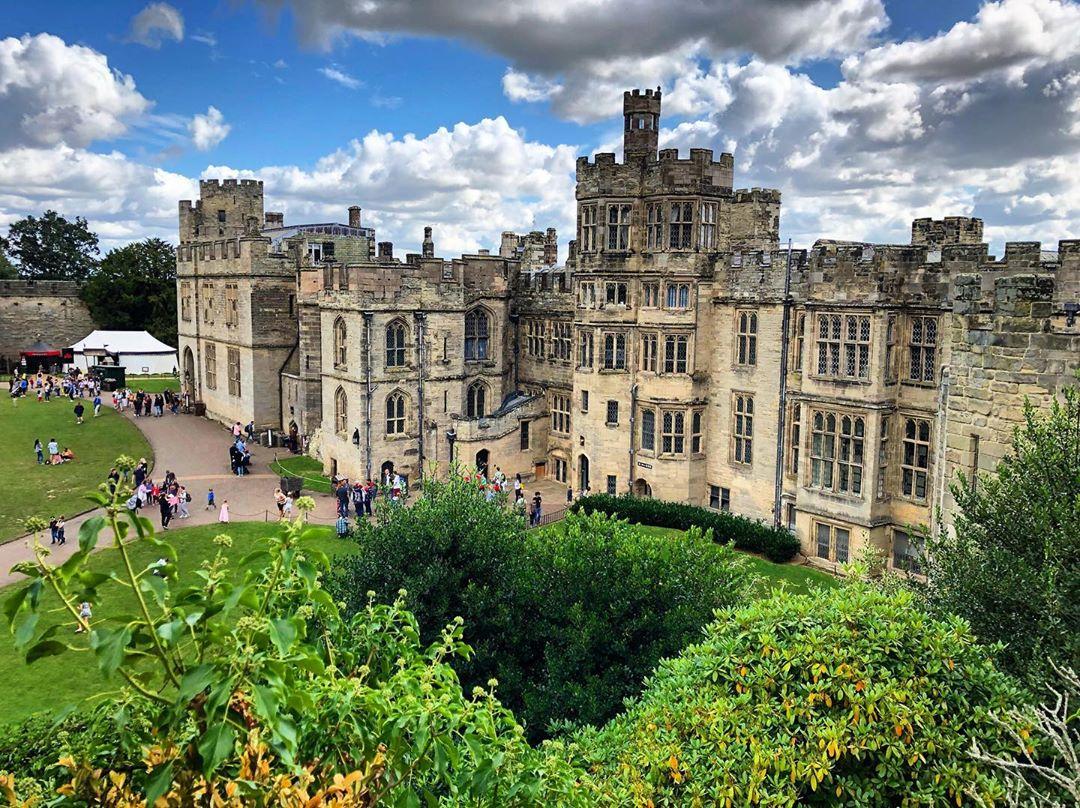 Lâu đài Warwick, Anh