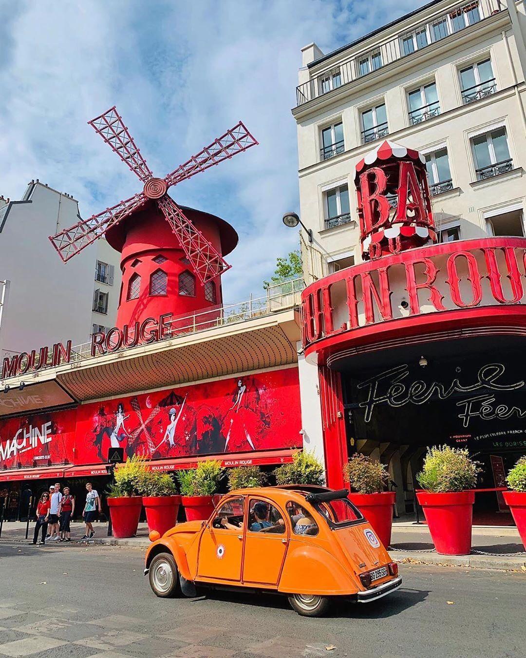 Le Moulin Rouge, Pháp