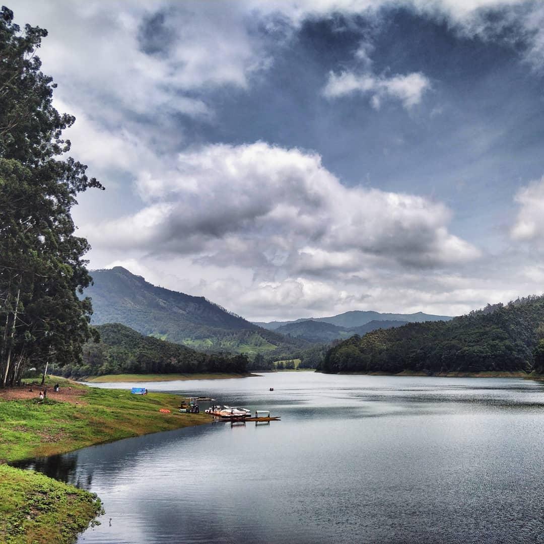 Vẻ đẹp tĩnh lặng của hồ Kundala, Munnar, Ấn Độ