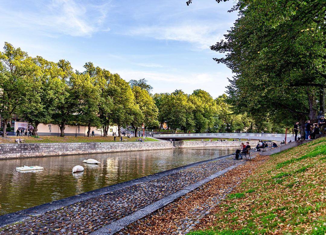 Khung cảnh thơ mộng bên bờ sông Aura ở Turku, Phần Lan