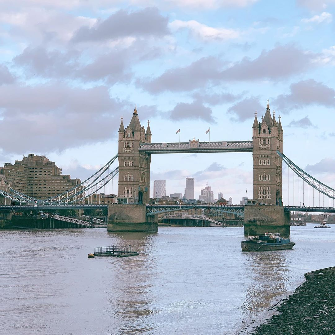 Tower Bridge, Anh