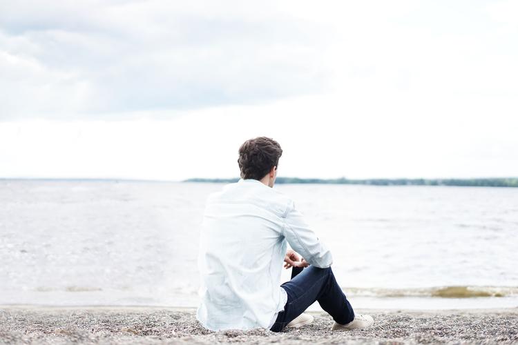 Vì sao người trẻ ngày nay hay cô đơn? Và họ nên làm gì?