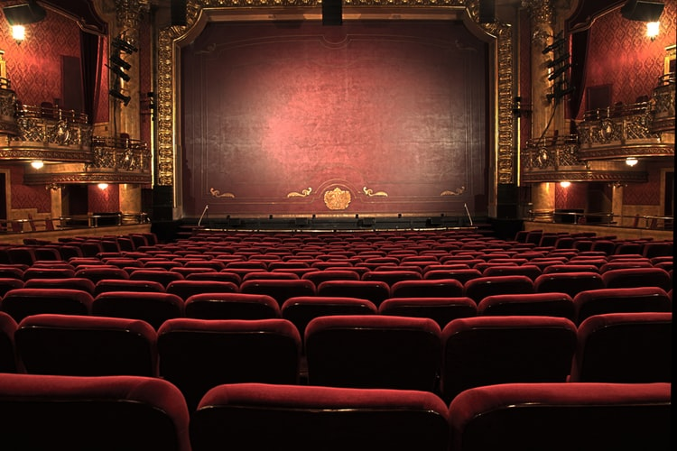 10 thuật ngữ có nguồn gốc từ sân khấu