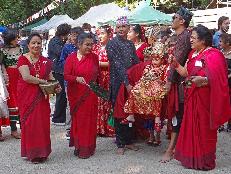 Người dân Newar ở Nepal tin rằng nữ thần sống là hiện thân của Taleju