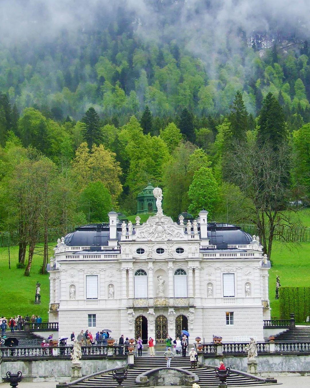 Cung điện Linderhof, Graswang, Đức