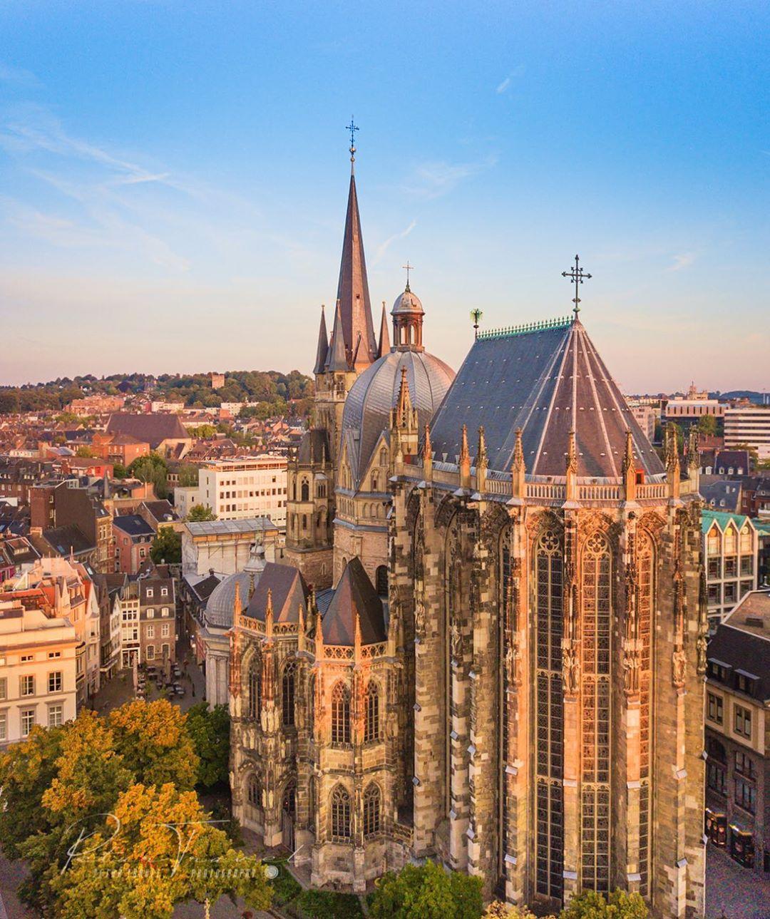 Aachener Dom, Đức