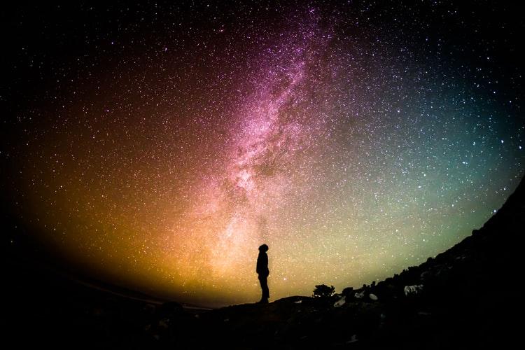 Chiêm nghiệm 7 định luật lớn của vũ trụ ứng dụng vào cuộc sống