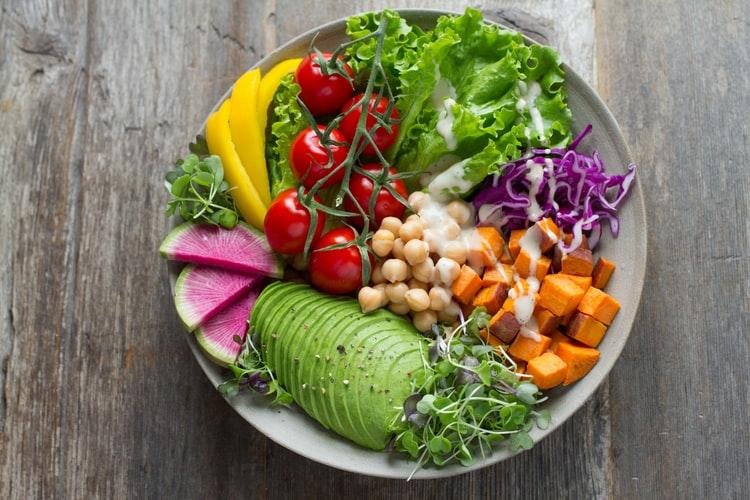 Vì sao bạn không thể giảm cân cho dù đã ăn chay?