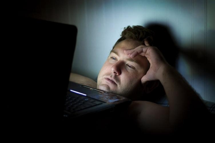 Vì sao có một số người ngủ ít nhưng trông họ lúc nào cũng tỉnh táo?