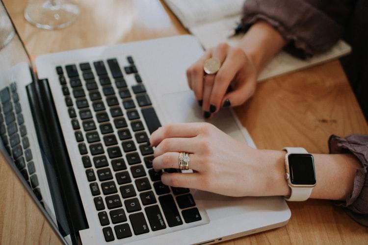 Bị phân tâm khi làm việc? Hãy thử những cách sau đây để giúp nâng cao khả năng tập trung