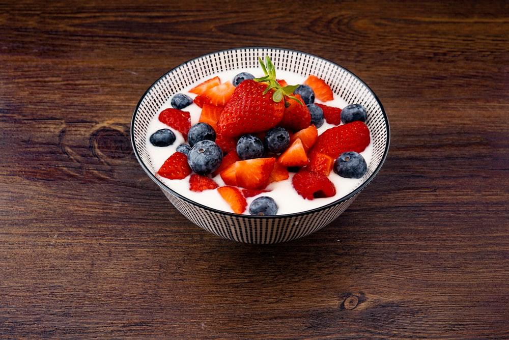 Đói bụng trong lúc làm việc? 5 món ăn vặt sau đây không những giúp bạn no bụng mà còn tốt cho sức khỏe