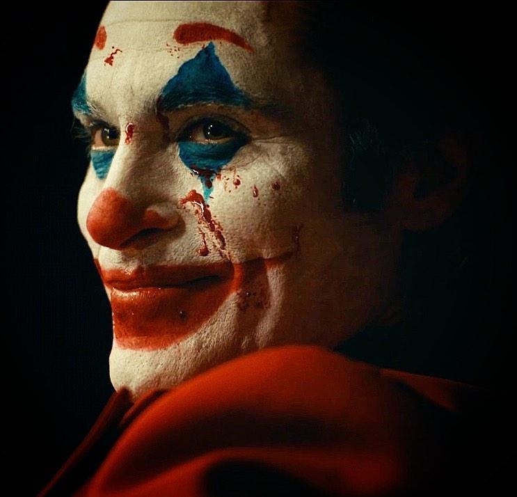 [Phim] Joker (2019) – Hỗn loạn và ám ảnh - Khi những kẻ dưới đáy tầng xã hội vùng lên phản kháng