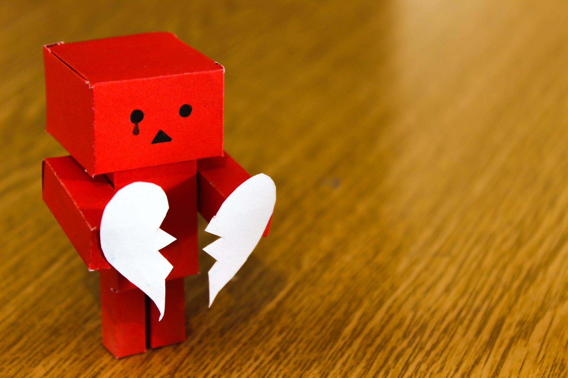 Vì sao tình yêu thường không tốt đẹp như bạn mong đợi?