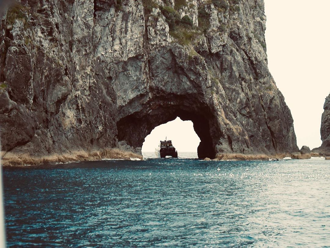 Hole In The Rock (Bay of Islands), New Zealand