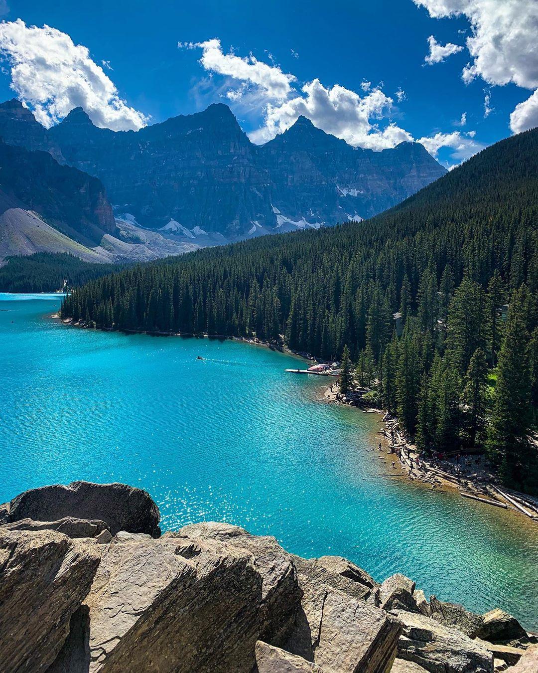 Hồ Moraine, công viên quốc gia Banff, Canada