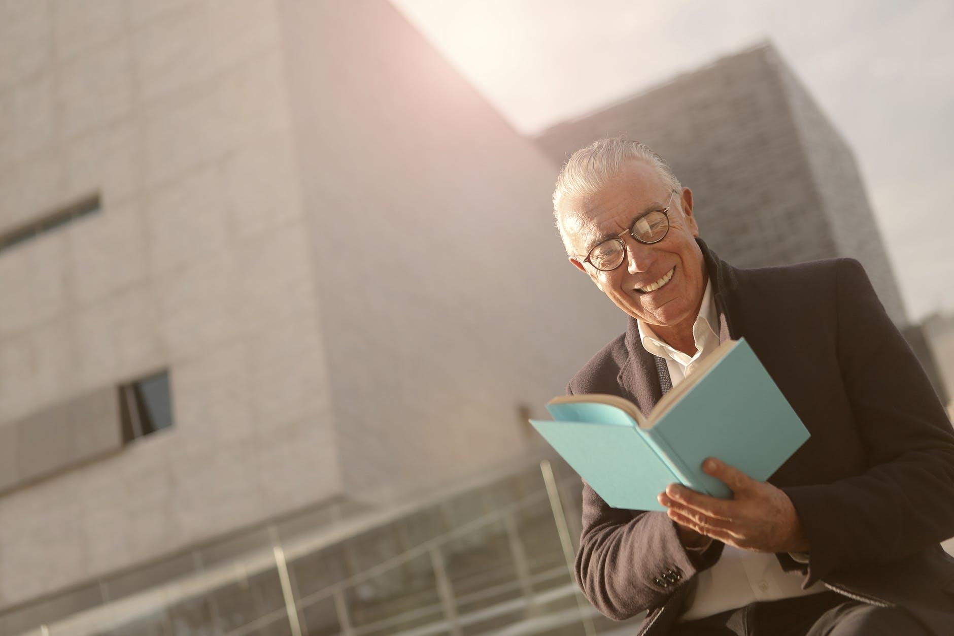 Kiên trì đọc sách trong thời gian dài sẽ khiến tâm tính bạn thay đổi như thế nào?