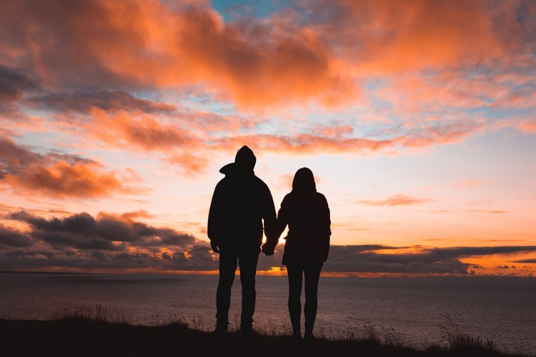 """6 thói quen """"tưởng độc hại"""" mà các cặp đôi cần phải có"""