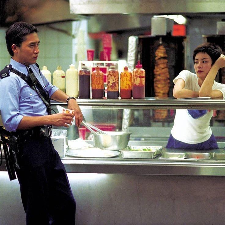 """""""Trùng Khánh Sâm Lâm: Của ai người ấy ăn"""" - ấy là đồ hộp, là nỗi buồn, là nỗi cô đơn"""