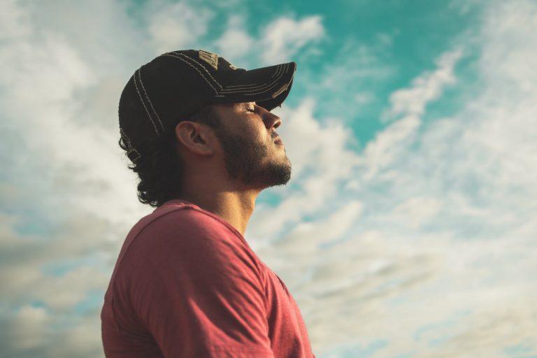 Bạn hay lo lắng và căng thẳng? Hãy thử thay đổi cách hít thở